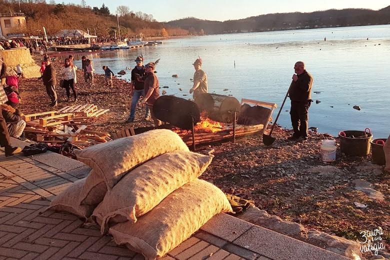 Caldarroste in riva al lago di Viverone