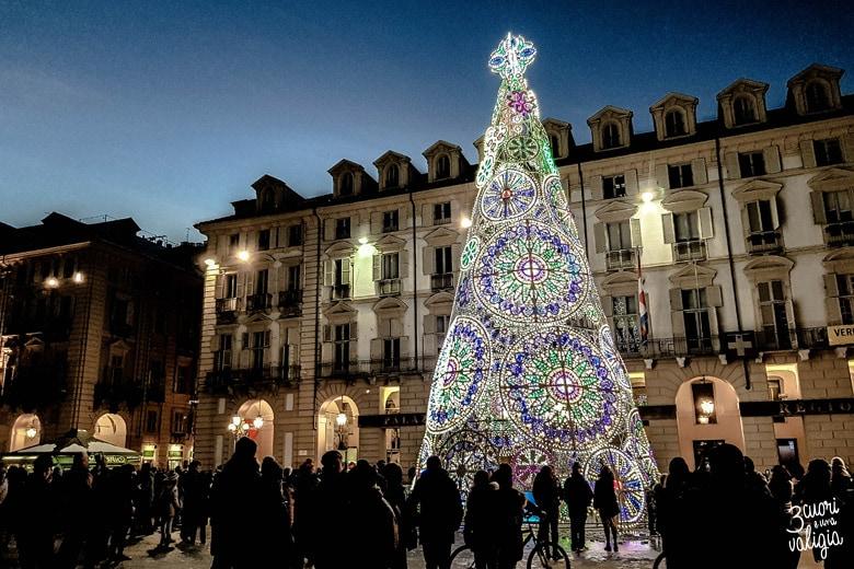 Albero di Natale illuminato
