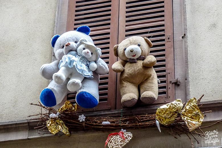 finestra con orsetti