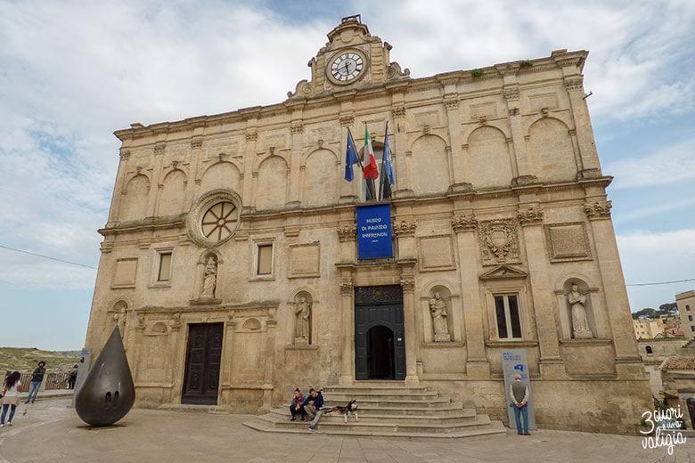 Sassi di Matera piazzetta Pascoli palazzo Lanfranchi