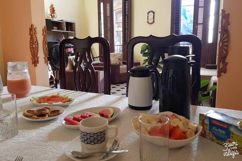 Cuba - L'Avana, colazione in casa particular