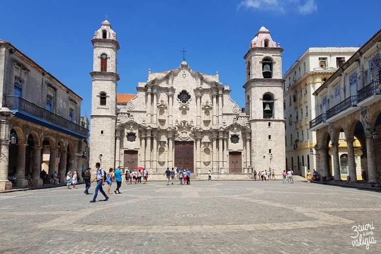 Cuba - L'Avana con bambini, Plaza de la Catedral