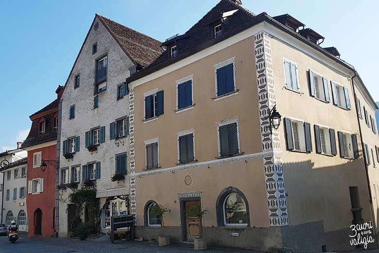 Svizzera - Maienfeld case nel paese