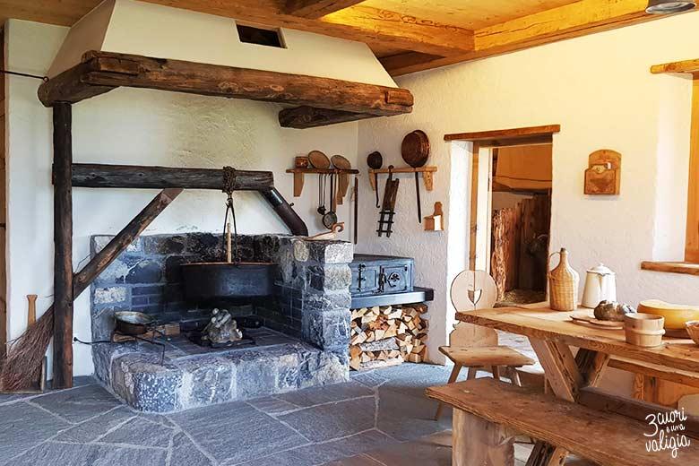Svizzera - Maienfeld Heididorf casa del nonno di Heidi cucina