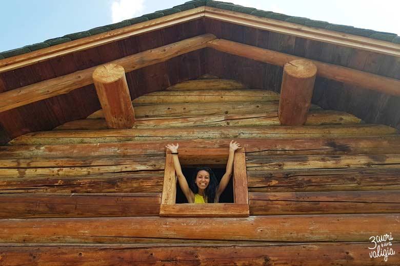 Svizzera - Maienfeld Heididorf casa del nonno di Heidi finestra