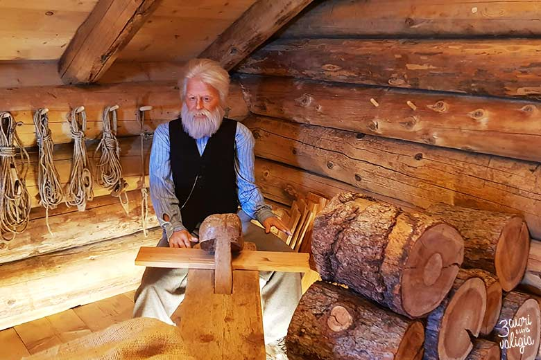Svizzera - Maienfeld Heididorf casa del nonno di Heidi postazione di lavoro