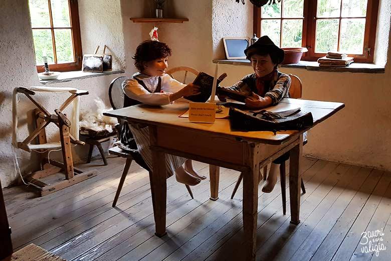 Svizzera - Maienfeld Heididorf casa di Heidi cucina