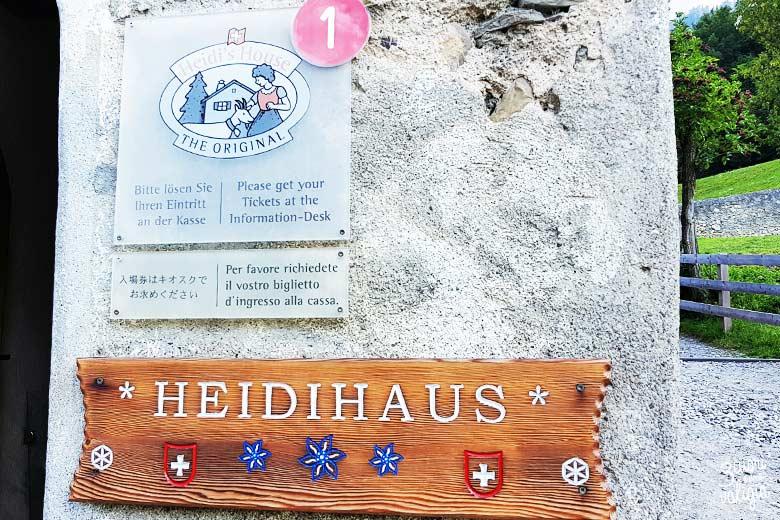 Svizzera - Maienfeld Heididorf casa di Heidi entrata