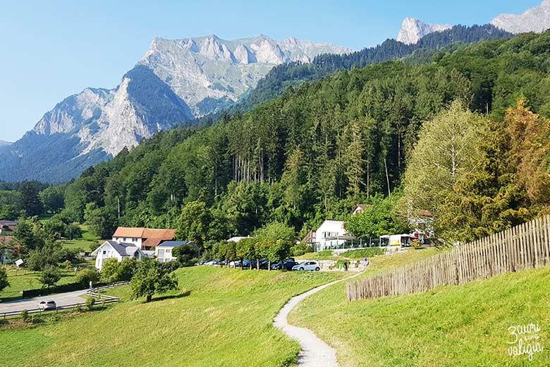 Svizzera - Maienfeld Heididorf sentiero per la casa di Heidi