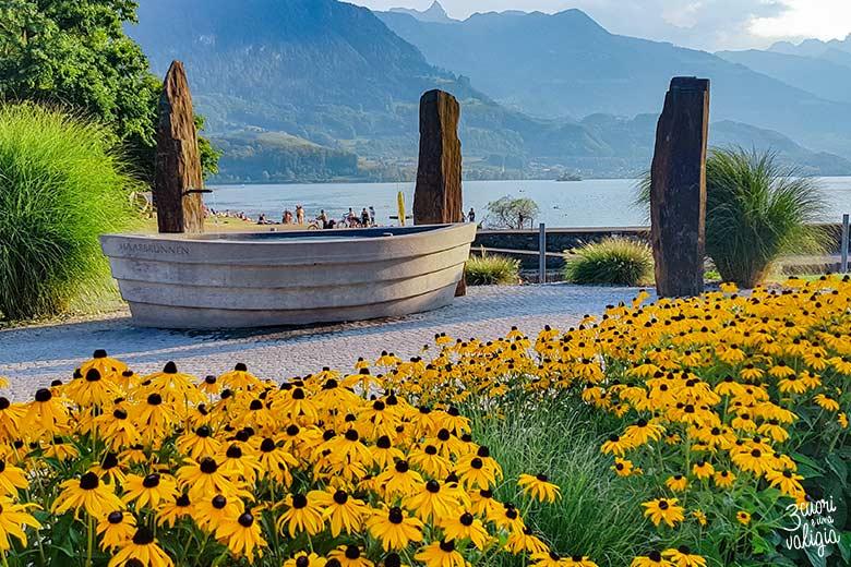 Svizzera - Walenstad, fontana fronte lago di Walen