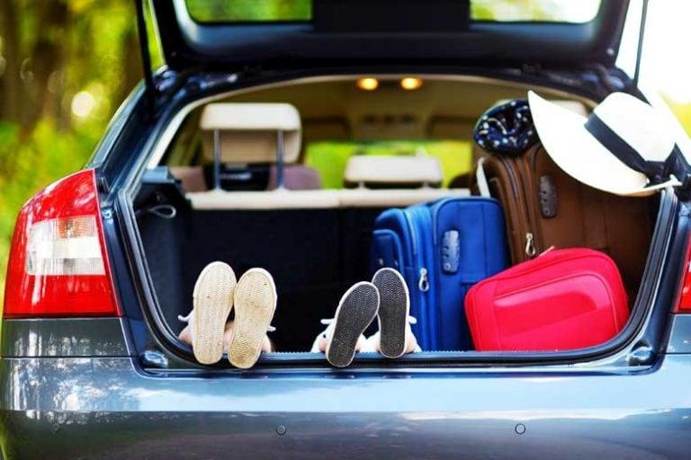 Viaggi in auto con i bambini: i vantaggi del noleggio auto in vacanza