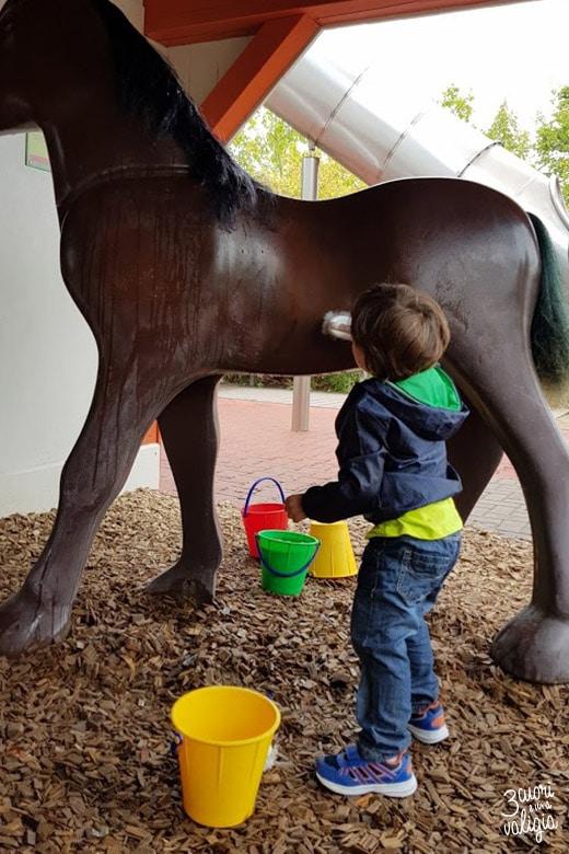 Playmobil con bambini - cavallo nella fattoria