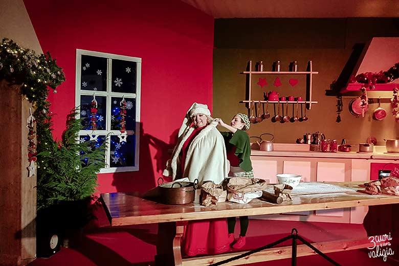 Magico paese di Natale a Govone - Elfi in cucina