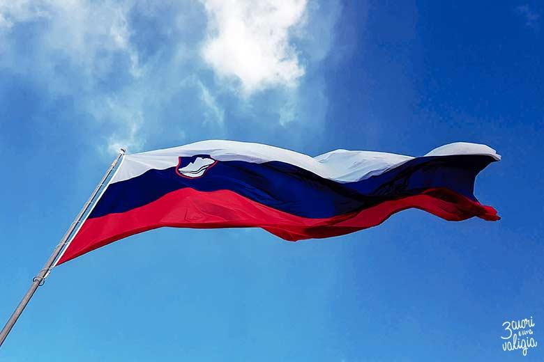 Lubiana con bambini - bandiera slovena