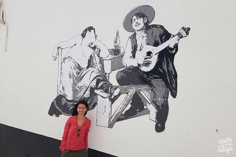Lisbona con bambini murales