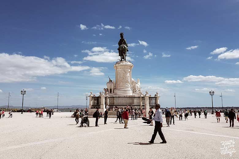Lisbona con bambini piazza del commercio, Praça do Comércio
