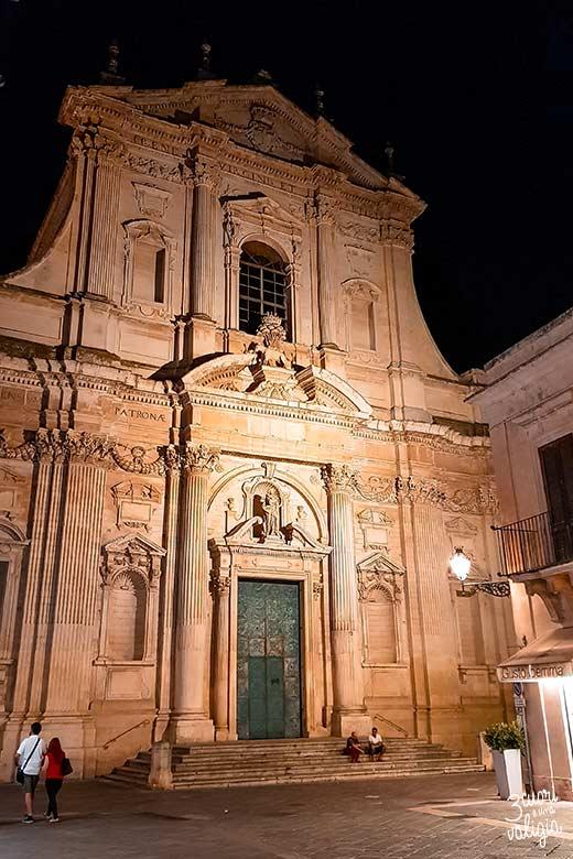 Salento con bambini chiesa di Sant'Irene Lecce