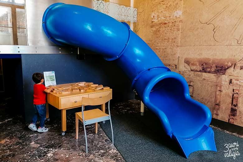Museo dei bambini scivolo