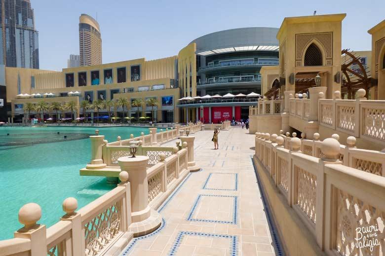 Ponte sul lago del Dubai Mall